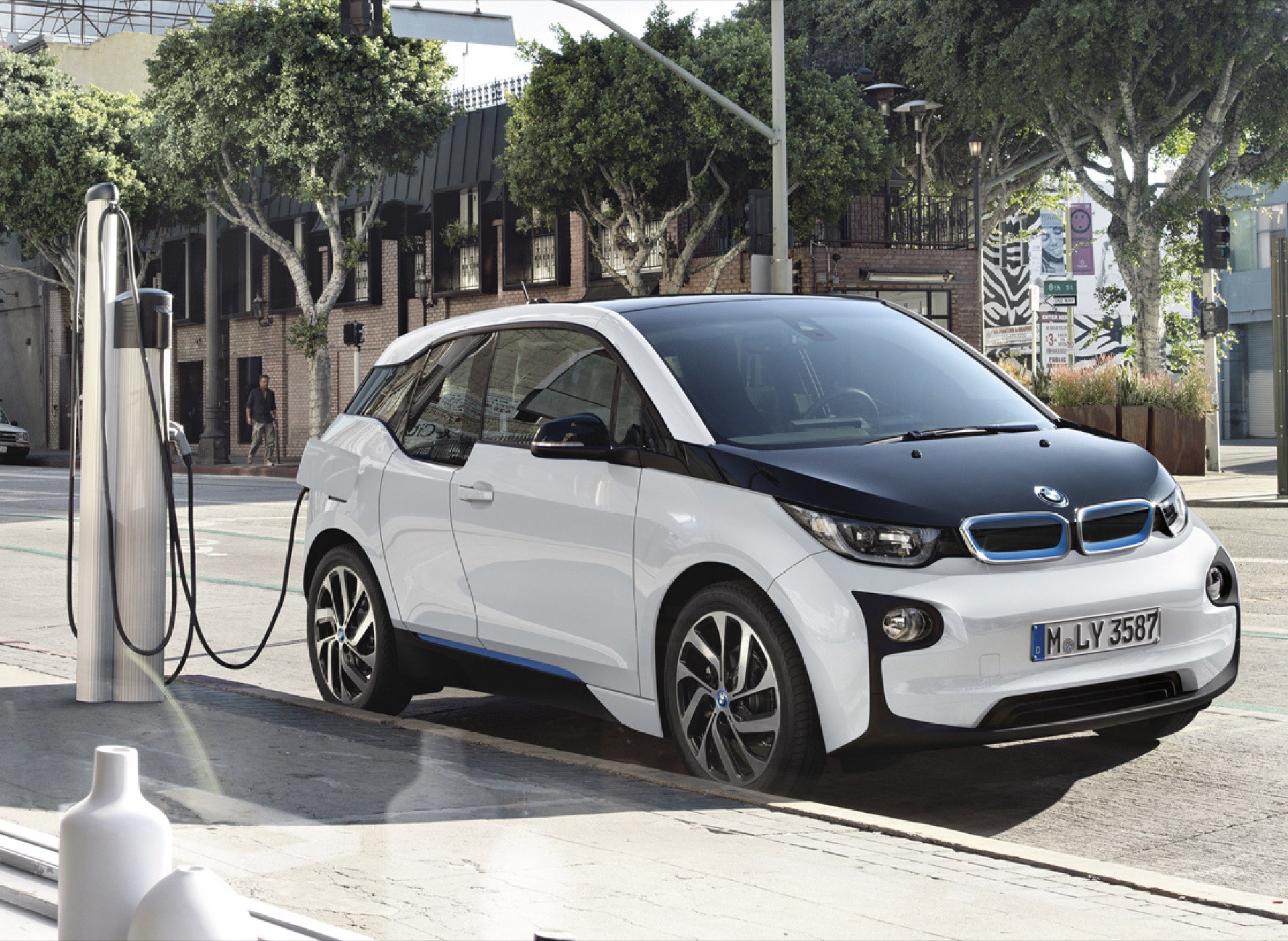 BMW i3 Update New Three-Phase Charger