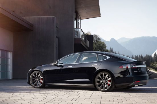 Tesla Model S Performance with Turbine Wheels