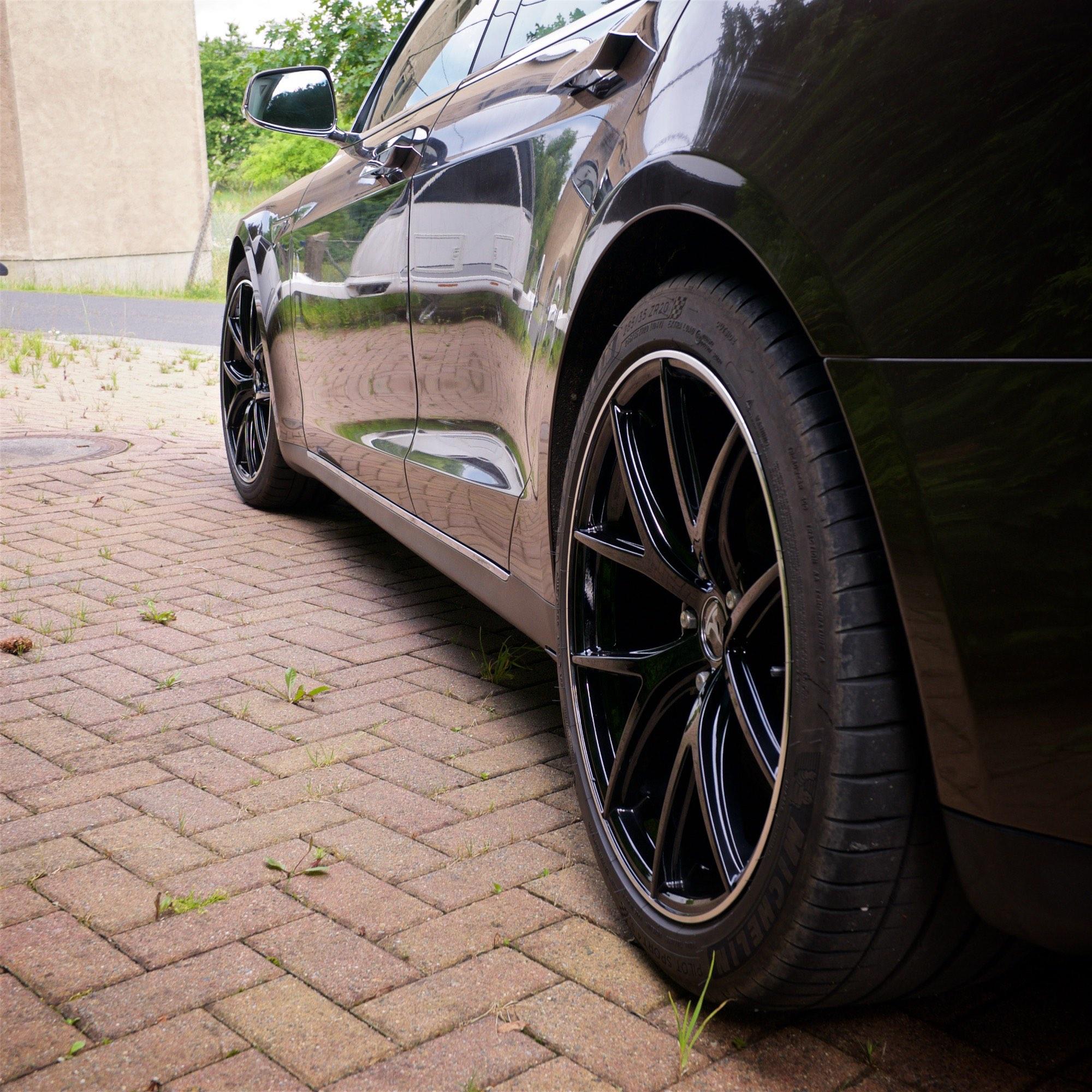 """Tesla Model S 20"""" Wheel"""